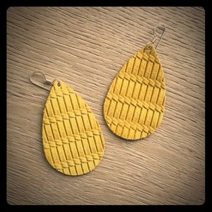 Jewelry - Leather teardrop earrings